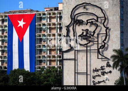 portr t von che guevara und kubanische flagge trinidad kuba stockfoto bild 38716204 alamy. Black Bedroom Furniture Sets. Home Design Ideas