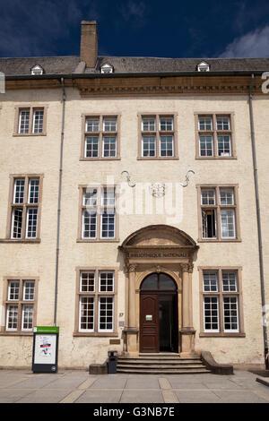 Nationalbibliothek in den Gebäudekomplex des alten Jesuiten-Kolleg, Stadt Luxemburg, Luxemburg, Europa, PublicGround - Stockfoto