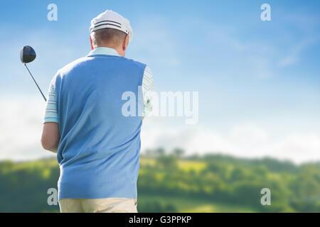 Rückansicht des Menschen Golf spielen - Stockfoto