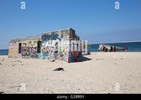 Küsten Befestigungsanlagen in Graffiti Düne von Pyla Südfrankreich abgedeckt