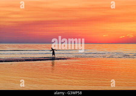 Boogie boarding, Skaket Strand, Orleans, Cape Cod, Massachusetts, USA - Stockfoto