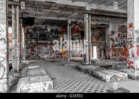 verlassenen Lagerhaus Innenraum - Gebäude-Ruine - Stockfoto