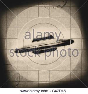 Retro-UFO fliegende Untertasse Mitte Jahrhundert atomaren retro Raumfahrtzeitalter - Stockfoto