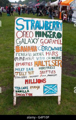 Garküche Transporter bei der Afrika Oye Festival in Sefton Park, Liverpool, Merseyside, UK - Stockfoto