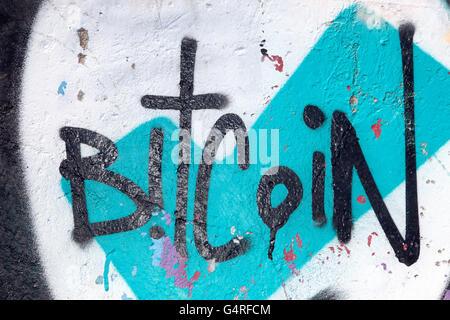 BitCoin _Graffiti & Spray Art Grunge Liverpool, Merseyside, North West England, United Kingdom, UK - Stockfoto