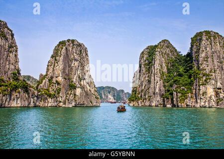 Halong-Bucht in Vietnam - Stockfoto