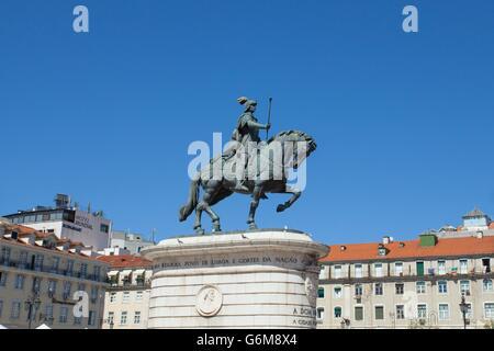 Statue von Dom João I Praca da Figueira in Rossio in Lissabon Stadt. - Stockfoto