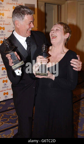 Dench & Kelly Olivier Awards 2004 - Stockfoto