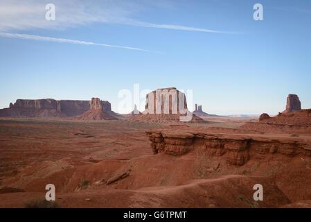 Die Fäustlinge, Mesa, roten Felsen im Monument Valley Navajo Tribal Park, Arizona, USA - Stockfoto