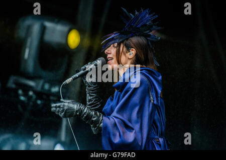 Glastonbury, Somerset, UK. 26. Juni 2016. PJ Harvey spielt die andere Bühne - 2016 Glastonbury Festival, würdig - Stockfoto