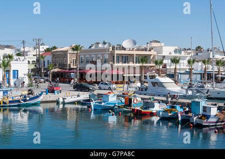 Traditionelle Fischerboote im Hafen, Kardamena, Kos (Cos), die Dodekanes, Süd Ägäis, Griechenland - Stockfoto