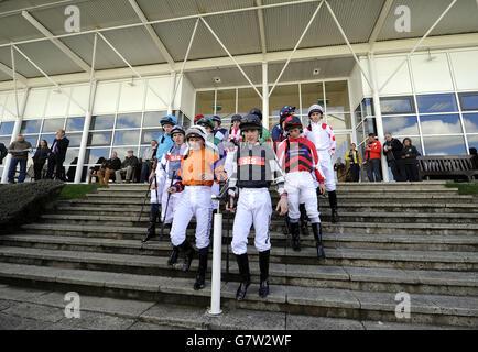 Horse Racing - bet365 Inaugral flache treffen und Familie Raceday - Wetherby Rennbahn