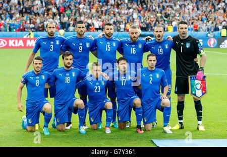 Paris, Frankreich. 27. Juni 2016. Teamfoto Italien mit Giorgio CHIELLINI, ITA 3, Graziano PELLE, ITA 9, Andrea BARZAGLI, - Stockfoto