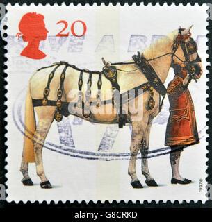 Vereinigtes Königreich - CIRCA 1997: Eine Briefmarke gedruckt in Großbritannien zeigt Kutsche Pferd und Kutscher, - Stockfoto