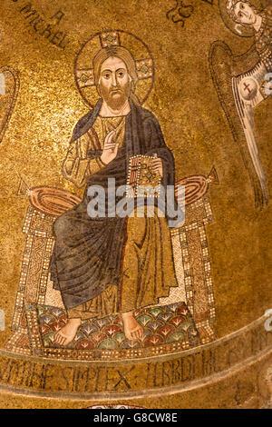 Das feine byzantinische Mosaik von Christ in der Majestät, Cattedrale di Santa Maria Assunta, Torcello, venezianische - Stockfoto