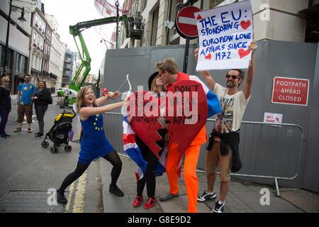 London, UK. 2. Juli 2016. Zehntausende von Menschen protestieren in der Marsch für Europa gegen Brexit Demonstration - Stockfoto