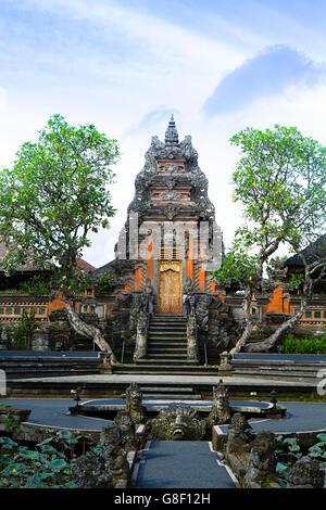 Pura Taman Saraswati Tempel in Ubud - Stockfoto