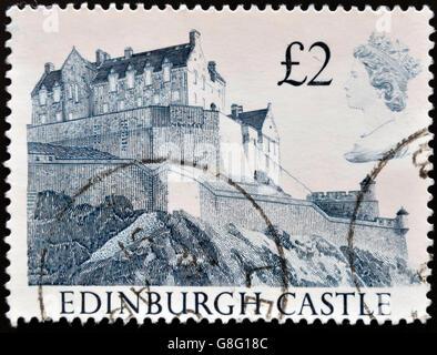 Vereinigtes Königreich - CIRCA 1997: A Dienststempelabdruck gedruckt in Großbritannien, Edinburgh Castle, ca. 1997 - Stockfoto