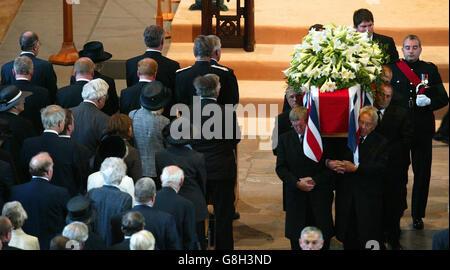 Sir Edward Heath Beerdigung - Kathedrale von Salisbury - Stockfoto