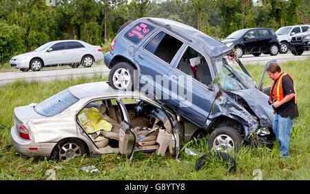 Florida, USA. 30. Juni 2016. 070110 (Lannis Waters/The Palm Beach Post) MARTIN COUNTY - ein zwei Autowrack in der - Stockfoto