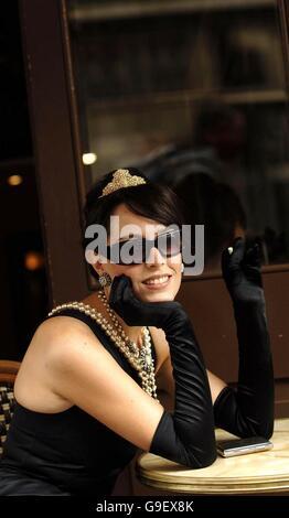 Audrey Breakfast At Tiffany Kleid Stockfoto, Bild: 109122054 - Alamy