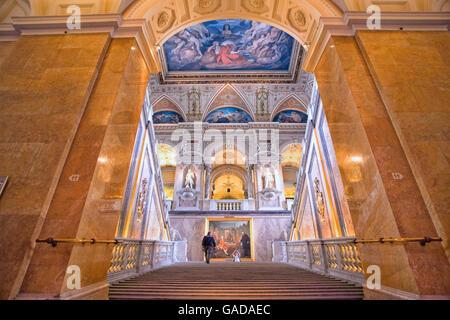 Treppe in das Naturhistorische Museum in Wien - Stockfoto