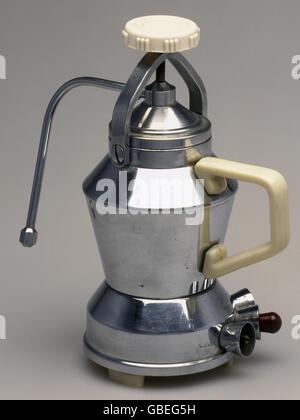 haushalt k che und geschirr kaffeemaschine eine der ersten elektrischen kaffeemaschinen. Black Bedroom Furniture Sets. Home Design Ideas