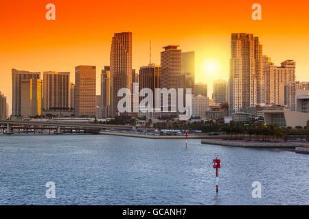 DIE INNENSTADT VON SKYLINE BISCAYNE BAY MIAMI FLORIDA USA - Stockfoto