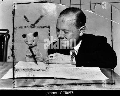 Unterhaltung - Harry Corbett - London - Stockfoto