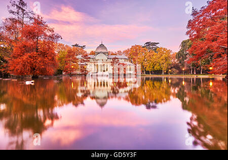 Der Palacio de Cristal (Crystal Palace), liegt im Herzen des Buen Retiro Park. Madrid. Spanien - Stockfoto