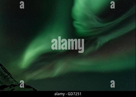 Wirbelnden Aurora Borealis mit Sterne funkeln, Grundarfjordur, Island - Stockfoto