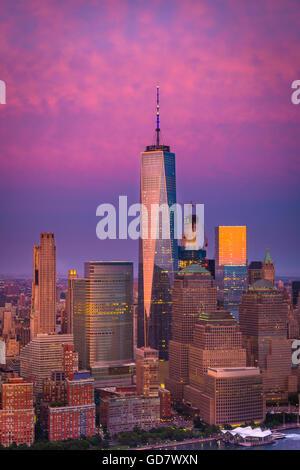 Battery Park ist ein 25-Hektar (10 ha) öffentlicher Park befindet sich an der Südspitze von Manhattan in New York - Stockfoto