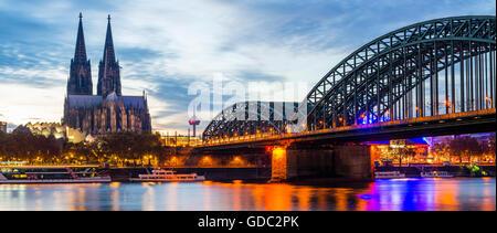 Rhein, Kölner Dom, Hohenzollernbrücke, Köln, Nordrhein-Westfalen, Deutschland, Europa - Stockfoto