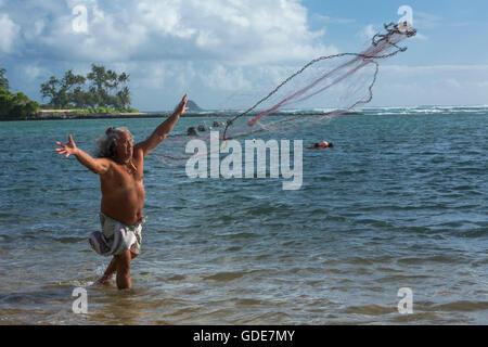 Molokai, lokale, Polynesian, kein Model-Release, Mann, Angeln, USA, Hawaii, Amerika, Fischer, - Stockfoto