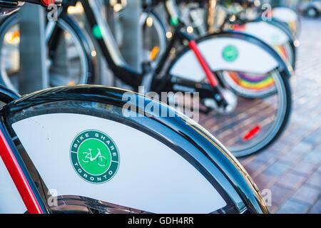 TORONTO, Kanada - 2. Juli 2016: Fahrradstation in Toronto (Bike Aktie Toronto) - Stockfoto