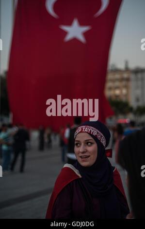 Pro türkische Regierung Supporter bei einer Kundgebung, gescheiterten Putschversuch zu feiern.  Istanbul-Türkei - Stockfoto