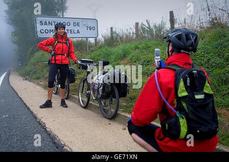 Pilger. Roncesvalles-Orreaga. Navarra. Eva y Gerardo.Spain. Camino de Santiago - Stockfoto