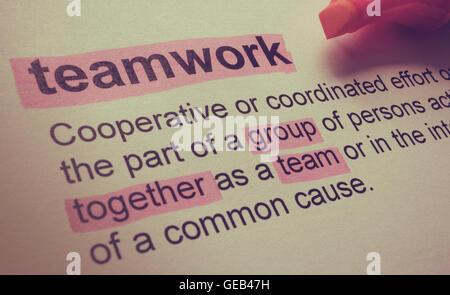 Definition der Teamarbeit, in Farbe hervorgehoben. - Stockfoto