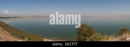 Israel: Panoramablick auf den See von Tiberias, der tiefste Süßwassersee auf der Erde, in der Heiligen Schrift zitiert - Stockfoto