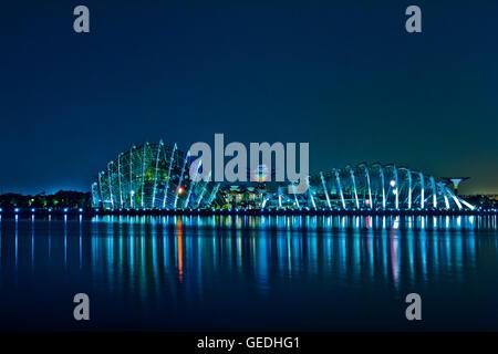 Singapur bei Nacht - Stockfoto