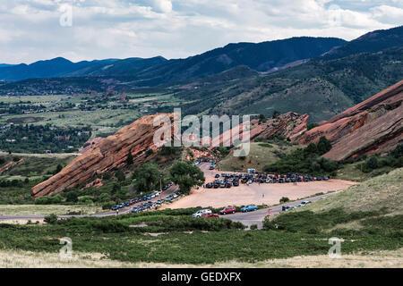 Red Rocks Amphitheater tanken für einen Konzertabend, Jefferson County, Colorado, USA - Stockfoto