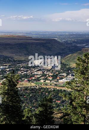 Luftaufnahmen der Stadt Golden mit Coors Brewery, Colorado, USA - Stockfoto