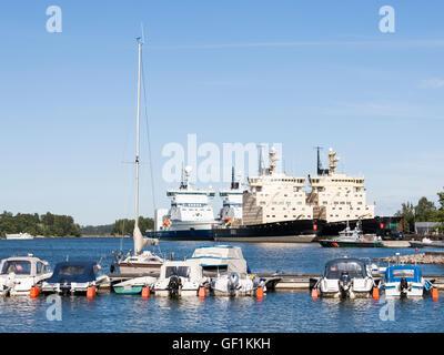 Boote und Eisbrecher - Stockfoto