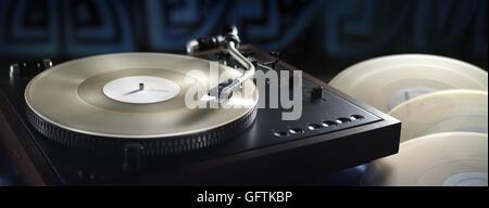 Panoramablick über Vintage Plattenspieler und White Vinyl records