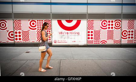 Ein Schild an der Außenseite einer im Bau Target Store im Stadtteil Tribeca New York auf Freitag, 29. Juli 2016 - Stockfoto