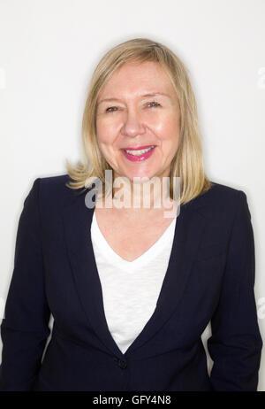 Porträt einer älteren Frau - Stockfoto