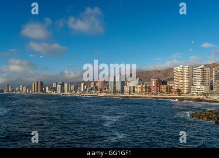 Blick auf die Innenstadt von Antofagasta in Nordchile - Stockfoto
