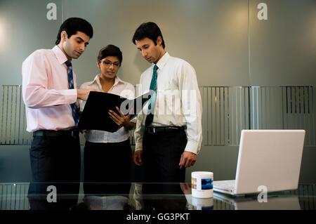Unternehmensleiter diskutieren - Stockfoto