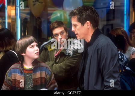 ÜBER A BOY ODER: DER TAG DER TOTEN ENTE / About A Boy USA 2002 / Paul & Chris Weitz Marcus (NICHOLAS HOULT), wird - Stockfoto
