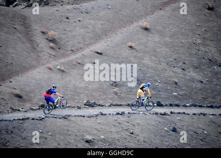 Mountain Biker off-Road, San Antonio Volcano, La Palma, Kanarische Inseln, Spanien - Stockfoto
